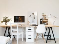 You will not mind getting work performed with a home office like one of these. Discover motivation for your home office design with ideas for design, storage space and furniture. Home Office Space, Office Workspace, Home Office Desks, Office Furniture, Office Decor, Office Ideas, Luxury Furniture, Office Designs, Apartment Office