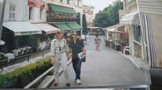 Passeio a pé em Cannes com Annik que nos recepcionou em Cannes. A Monica, minha irma, está tirando a foto.