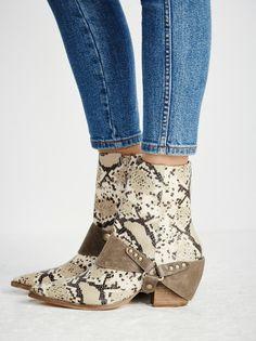 Rattlesnake Western Boot