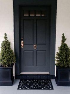 New dark front door colors farrow ball Ideas Dark Front Door, Front Door Porch, Modern Front Door, Painted Front Doors, Painted Stairs, Front Entry, Door Paint Colors, Front Door Colors, Farrow And Ball Front Door Colours