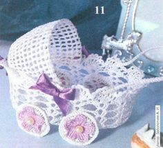 Muito fofo este carrinho de bebe em croche, veja o grafico em mais informações