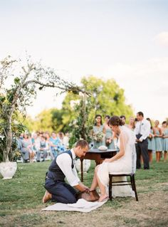 ♡ Groom washing bride's feet at wedding ceremony, as a symbol of honor and servanthood in humility and love. (John 13:14-15)