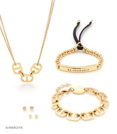 verspielten Eleganz   gold-ionenbeschichteter Schmuck  einzigartiger Blickfänger  charmanter Ausstrahlung auffälligen Elemente Gold Necklace, Nature, Jewelry, Fashion, Fashion Jewelry, Wristlets, Ring, Moda, Gold Pendant Necklace