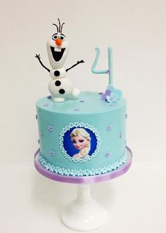 Frozen cake (Sweet & Saucy Shop) Belle Birthday Cake, Frozen Themed Birthday Cake, Second Birthday Cakes, Frozen Theme Cake, Elsa Birthday, Frozen Party, Themed Cakes, Fete Emma, Birtday Cake
