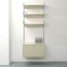 Dieter Rams Vitsoe 606 Universal Shelving System