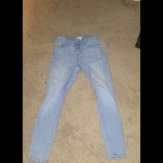 Light Wash Denim Jeans.  Worn Once Is Perfect Condition.  Forever 21 Jeans Skinny