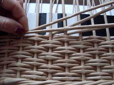 Moje pletení z papíru - Fotoalbum - NÁVOD - VZORY PLETENÍ - NÁVOD - NA OBRÁCENÝ OPLETEK 4 Paper Basket, Weaving, Projects, Craft, Hampers, Household Items, Paper Envelopes, Paper, Basket Weaving