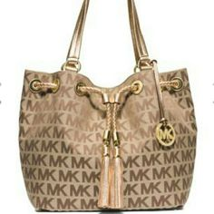 "Brand New Michael Kors Jet Set Large Logo Tote Beautiful MK signature jacquard. 9.5"" handle drop. Interior: 1 zip pocket, 3 open pockets, 1 cell phone pocket, and 1 key fob. Magnetic closure. No stains or damages.  No trades. Reasonable offers are welcome. Thx! MICHAEL Michael Kors Bags Totes"