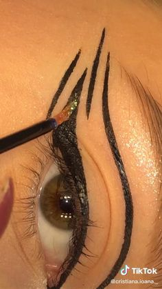 Makeup Eye Looks, Eye Makeup Steps, Pretty Makeup, Makeup Inspo, Makeup Inspiration, Eye Makeup Designs, Glamorous Makeup, Makeup Tattoos, Eyeliner Tutorial