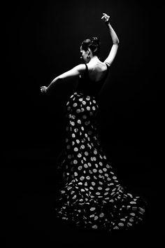 ☮ black & white photo flamenco dance