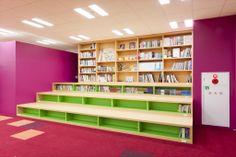 p34 School Library Design, Kids Library, Modern Library, Classroom Design, Library Furniture, Design Furniture, Education Architecture, School Architecture, Preschool Library