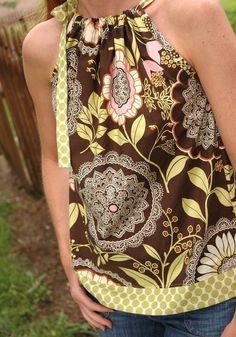 Patron a la venta para hacer esta blusa... pero si sabes costura, con ver la foto puedes darte una idea de como se hace!