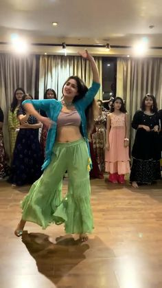 Cute Emoji Wallpaper, Boutique Decor, Dance Choreography Videos, Dance Poses, Indian Wedding Decorations, Dance Studio, Dance Music, Workout Videos, Dancer