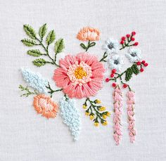 There are so many lovely tutorials on the web right now, I thought I'd do a roundup to point them out! Those gorgeous florals above come from Down Grapevine Line and include a free pattern and stitch