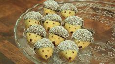 Vánoční cukroví - ořechoví ježci Sweet Tooth, Stuffed Mushrooms, Deserts, Muffin, Food And Drink, Vegetables, Eat, Breakfast, Friends