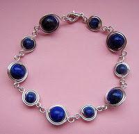 A tutorial for making beaded links (for making bracelets, earrings and pendants! Brilliant!)