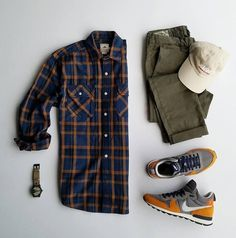 S outfit grid - olive green chinos and flannel shirt мужской стиль Plaid Outfits, Stylish Mens Outfits, Casual Outfits, Men Casual, Men's Outfits, Suit Fashion, Mens Fashion, Fashion Outfits, Runway Fashion
