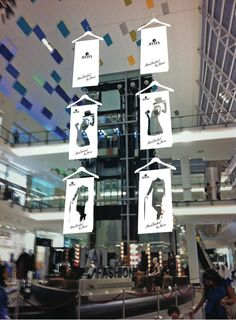 """""""The Fashionable Coat Hanger.... One Size Fits All"""", creative by Guerrilla Marketing , pinned by Ton van der Veer"""