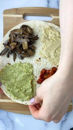 Lunch Snacks, Healthy Snacks, Vegan Tortilla, Healthy Tortilla Wraps, Veggie World, Vegetarian Recipes, Healthy Recipes, Vegan Recipes Videos, Whole Food Recipes