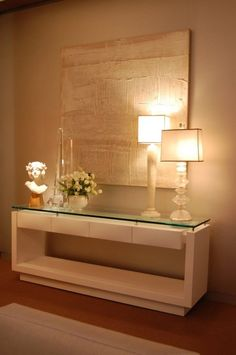 Contemporary console tables are essential to design pieces in any modern interior, a modern console table is a bright addition to a living or dining room. Home And Living, Living Room, Entryway Decor, Home Accessories, Sweet Home, Room Decor, House Design, Interior Design, Hall Interior