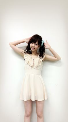 Beautiful Asian Women, Life Drawing, Asian Woman, Flower Girl Dresses, Wedding Dresses, Lady, Outfits, Beauty, Asian Ladies