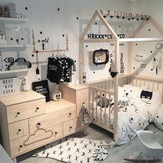 Dress your baby! Baby Bedroom, Nursery Room, Boy Room, Kids Bedroom, Nursery Furniture, Kids Furniture, House Beds For Kids, Newborn Room, Baby Model