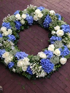 purple and white flower wreath. I would love to have this in my house. Flowers For Men, Pretty Flowers, White Flowers, Church Flowers, Funeral Flowers, Grave Decorations, Flower Decorations, White Wreath, Floral Wreath