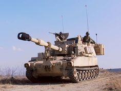 American M109 A6 PALADIN