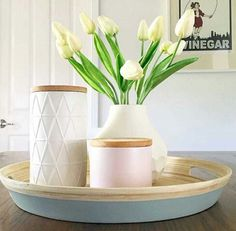 Dining table centrepiece