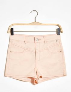 Short taille haute rose clair - http://www.jennyfer.com/fr-fr/collection/shorts/short-taille-haute-rose-clair-10006670083.html