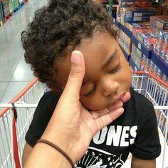 Awww him so sleepy! Mixed Baby Boy, Cute Mixed Babies, Cute Black Babies, Beautiful Black Babies, Beautiful Children, Little Babies, Cute Babies, Baby Kids, Black Baby Boys