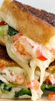 Kennebunkport Lobster Grilled Cheese Sandwich Grilled Cheeses, Grilled Lobster Recipes, Grilled Cheese Recipes, Empanadas, Wrap Sandwiches, Types Of Sandwiches, Lobster Sandwich, Grilled Sandwich, Soup And Sandwich