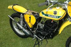 This bike is one of two works that Roger used that year and the only one left in existence. Not one drop of touch-up paint has been added. Suzuki Dirt Bikes, Suzuki Motocross, Motorcycle Dirt Bike, Motocross Racing, Motocross Bikes, Vintage Motocross, Dirt Biking, Vintage Bikes, Vintage Motorcycles