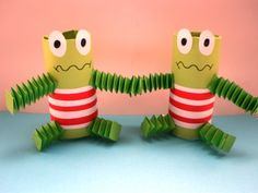 toilet paper roll frog craft for kids Animal Crafts For Kids, Craft Activities For Kids, Projects For Kids, Diy For Kids, Kids Crafts, Arts And Crafts, Diy Unicorn, Summer Decoration, Frog Theme