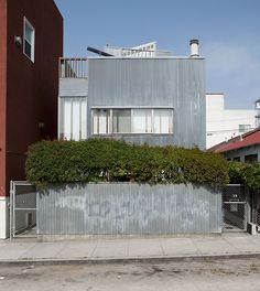 corrugated metal house & fence ... Frank Gehry Spiller House