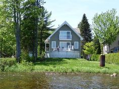 Back facade - 210 178E Rue, Lac-À-La-Tortue (Shawinigan), QC Quebec, Interior Architecture, Shed, Houses, Outdoor Structures, Cabin, House Styles, Home Decor, Turtle