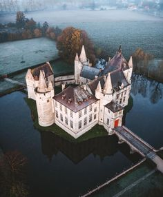 """Castles and Palaces on Instagram: """"Laarne Castle, Belgium. Is a Belgian moated castle in Laarne, located in the Province of East-Flanders, near its capital city of Ghent.…"""" Renaissance, Castle Ruins, Beautiful Castles, Top Travel Destinations, Europe, Belgium, Netherlands, Holland, Images"""