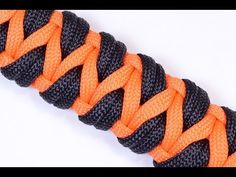"""▶ How to Make a Variation of the """"Caged Solomon"""" - Paracord Bracelet - BoredParacord - YouTube"""