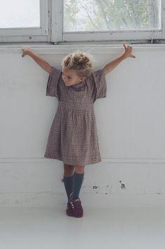 *Studio Jasna Sprawa sukienka FRENCH CONNECTION (dzięki Aga!) / podkolanówki ANAIS&I / buty ADIDAS