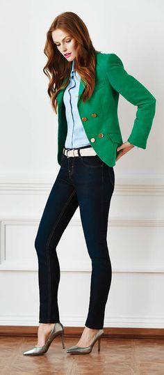 Blusa celeste y saco verde