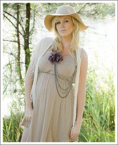 Confessions of a Prop Junkie - Maternity Inspiration. Cute look