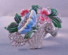 Beautiful-Vintage-CORO-Enamel-Rhinestone-Flower-Basket-Brooch-Uns-1940s