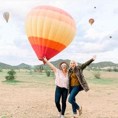 That feeling when you check a hot air balloon ride off of your bucket list! Balloon Rides, Hot Air Balloon, Balloons Photography, Living In Arizona, Tucson Arizona, Types Of Photography, Great Photos, Dog Pictures, Picture Ideas
