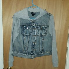 Jean jacket Never been worn Jean jacket with gray sleeves Joe boxer Jackets & Coats