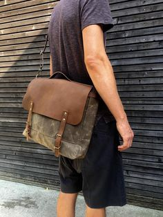 Messenger bag in waxed canvas with leather flap / Musette with adjustable shoulderstrap UNISEX by treesizeverse on Etsy https://www.etsy.com/listing/467835752/messenger-bag-in-waxed-canvas-with