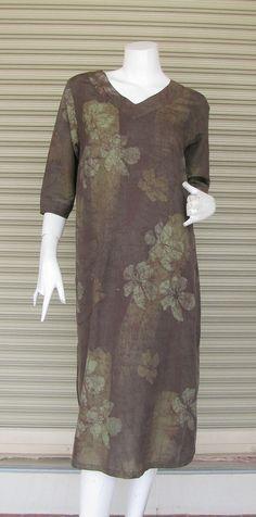 Cette robe est en soie-coton batik confortable. Très à laise.  Tailles de buste longueur environ 38 pouces/manches 18 pouces / longueur de 42 pouces