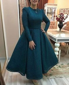 Image may contain: one or more people and people standing Hijab Evening Dress, Hijab Dress Party, Hijab Style Dress, Evening Dresses, Dress Brukat, The Dress, Dress Outfits, Fashion Dresses, Prom Dresses Blue