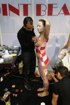 Ayer, domingo 17 de febrero, el Centro de Estética Conchi Mulas estuvimos en el Beauty Forum Spain que se celebró en Feria de Valencia. Asistimos a demostraciones, ponencias sobre uñas, maquillaje y micropigmentación; y conocimos de primera mano las novedades para este 2013