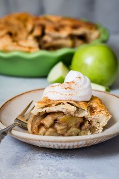 The Best Apple Pie. The best Apple Pie is made from simple delicious ingredients and is ready in just one hour. Apple Pie Crust, Vegan Pie Crust, Pie Crust Recipes, Apple Pie Recipes, Sweet Recipes, Perfect Apple Pie, Best Apple Pie, Colombian Food, Colombian Recipes