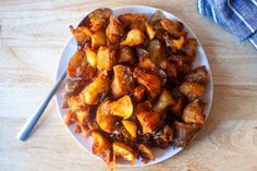 smitten kitchen – Fearless cooking from a tiny NYC kitchen. Rustic Potatoes, Curry One, Spicy Tomato Sauce, Walnut Salad, Smitten Kitchen, Crispy Potatoes, No Bean Chili, Potato Dishes, Potato Recipes
